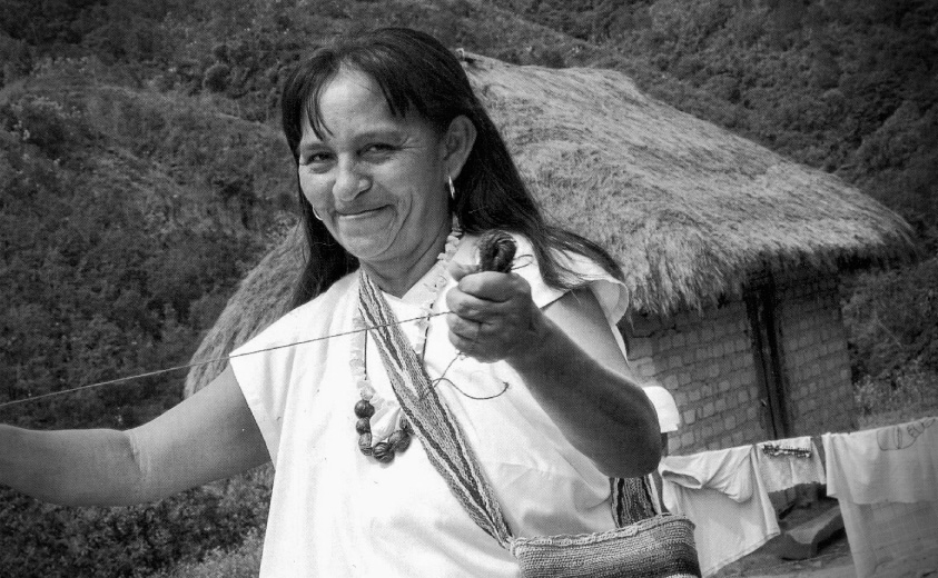 f359531f0960 Aura Rosa Montero, una tejedora de sueños en el FICCI - Artesanías ...