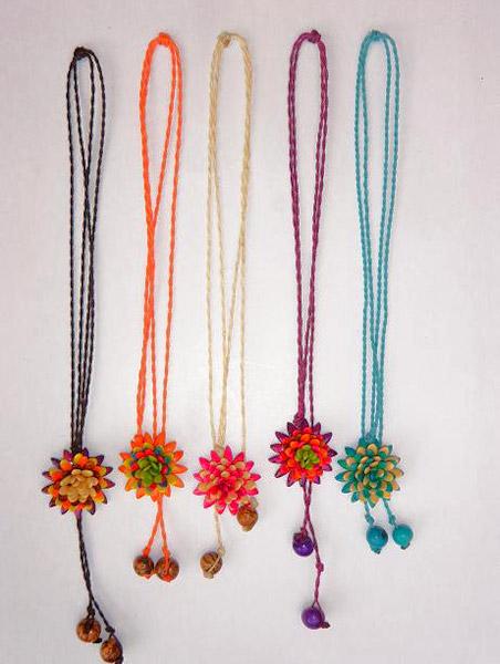 3ba5ebdca297 Puede usar este collar a la altura deseada gracias a su cierre magico.  Longitud MAxima